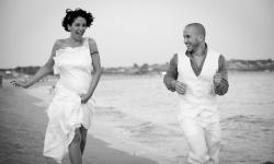 Matrimonio Svizzero sulla spiaggia in Sicilia, un soffio di brezza marina a Sampieri per Tamara e Francesco