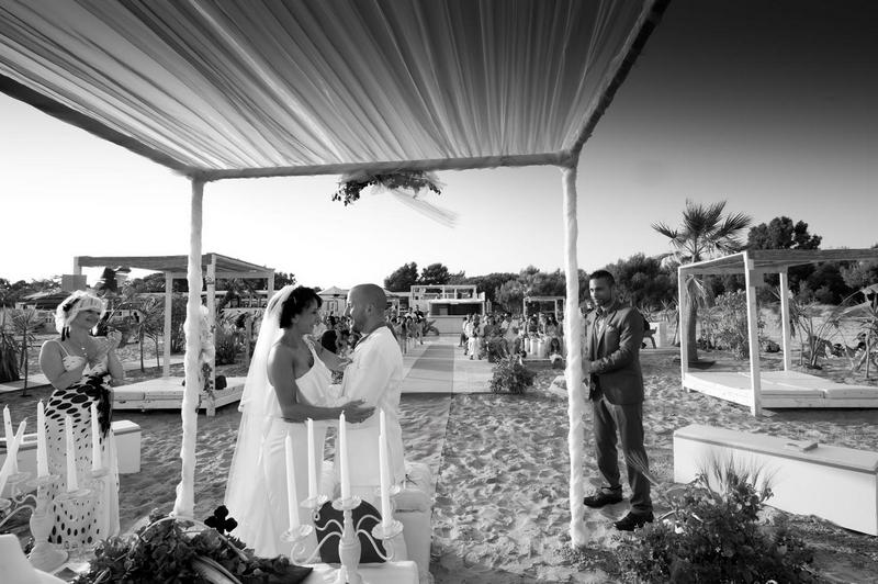 Matrimonio Spiaggia Palermo : Foto reportage matrimonio sulla spiaggia in sicilia