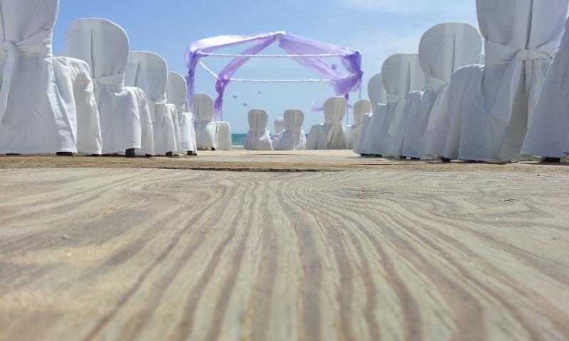 Matrimonio Religioso In Spiaggia : Lavori in corso oggi pomeriggio matrimonio sulla spiaggia
