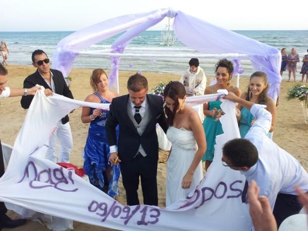 Matrimonio In Spiaggia : Celebrazione matrimonio in spiaggia sicilia sampieri